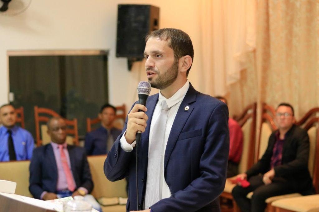 Prefeito Fernando Pessoa promete 'suspender o concurso' de Tuntum